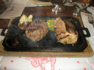 仔羊のモモステーキとオリジナルハンバーグ