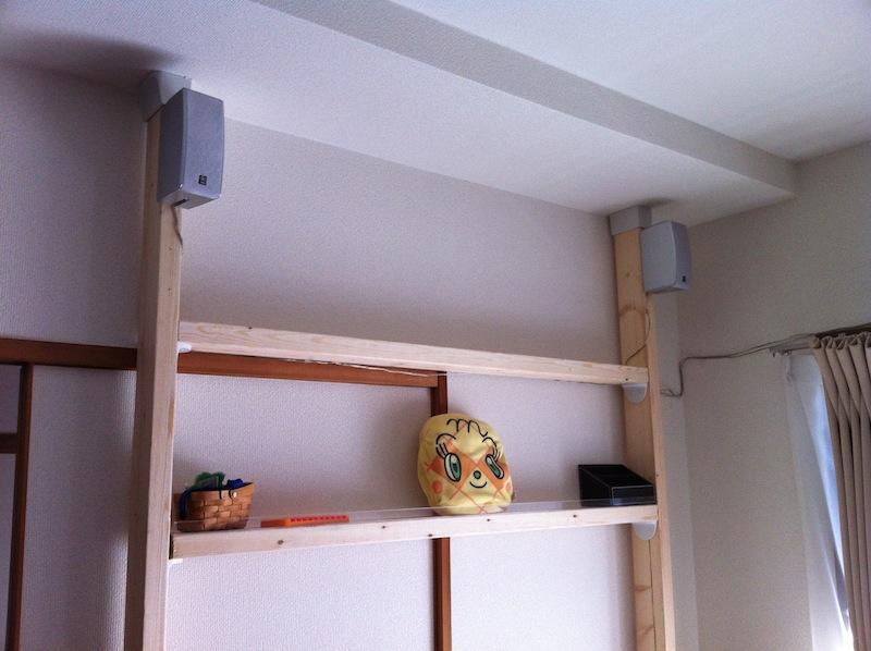 賃貸でも安心、壁の穴あけ必要なし2×4材とディアウォールで簡易棚作り